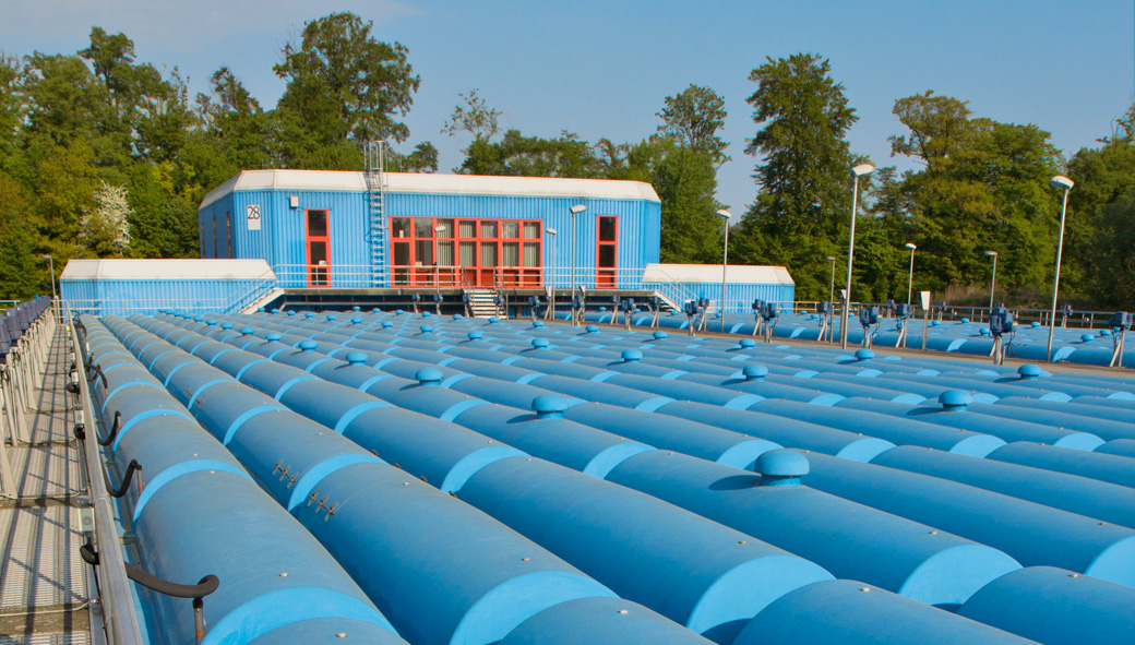 Reliable protection for enclosed sewage structures